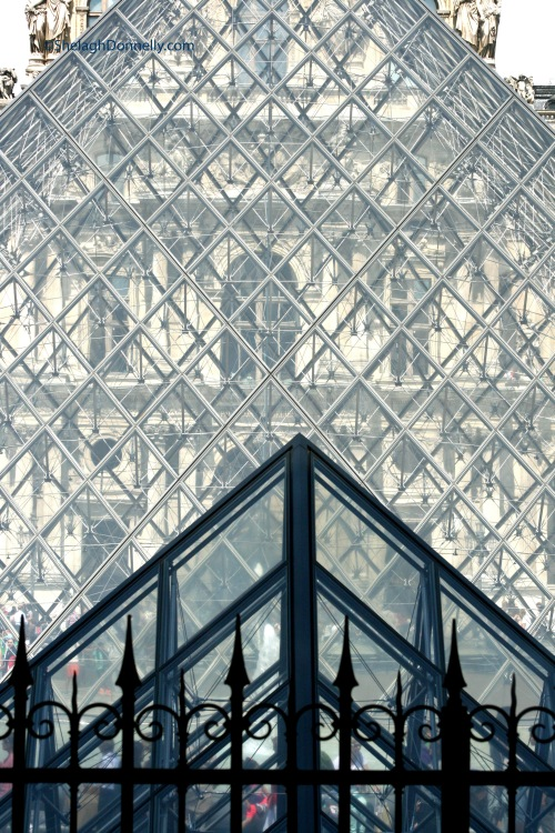 Louvre 9980 Copyright Shelagh Donnelly