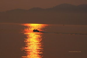 Spanish Banks Sunset Boater 5409 Copyright Shelagh Donnelly